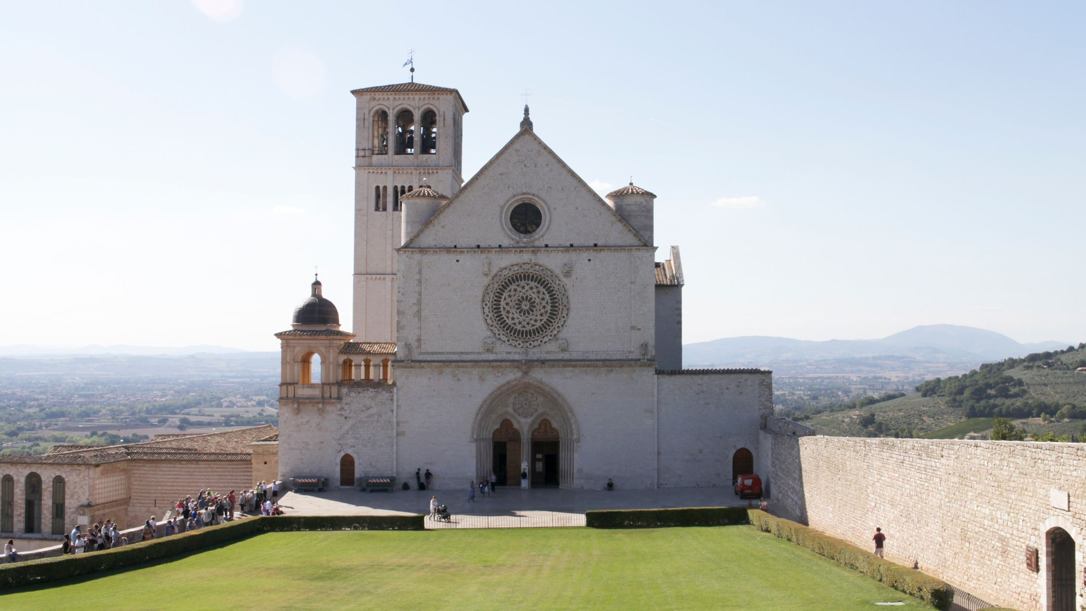 002451_Basilica of San Francesco d Assisi_Umbria_Italy_006_Rob Kearsey_No model release.jpg-Hybris
