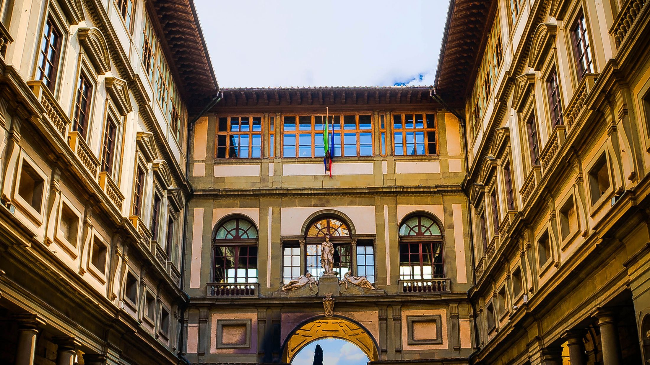 000424 Uffizi Gallery_Florence_Italy 001_Pixabay_florence-341469_no credit required-Hybris